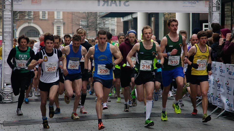Competitors setting off in the Age UK Exeter 10K run.